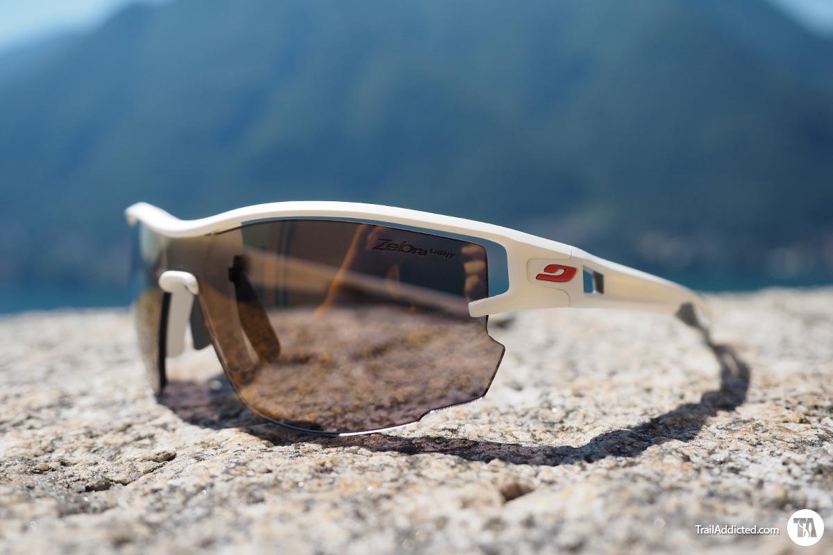 b2936ea37a Recensione occhiali Julbo Aero Zebra Light - Leggerezza e comfort ...
