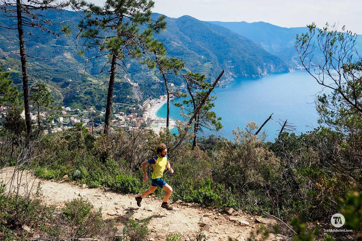 Akyra sui trail di Sciacchetrail
